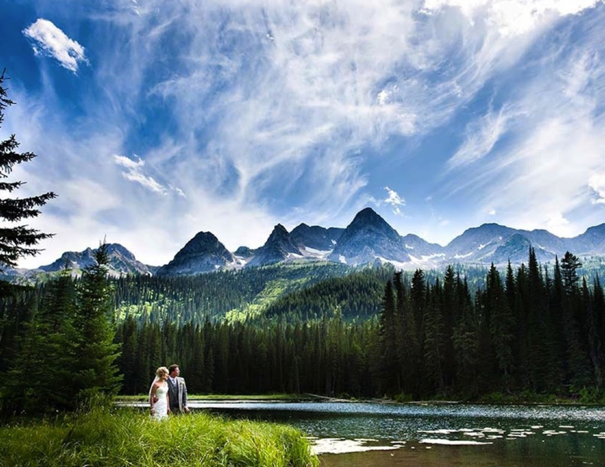 The Diamond in the Rockies  Weddings to Remember for a Lifetime The aptly-named    I Dew Point    is a magical spot at Isl...